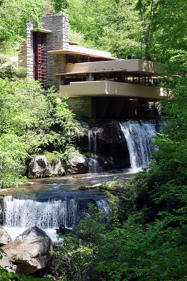 Frank Lloyd Wright, Fallingwater, steps to stream (Edgar J. Kaufmann House), Bear Run, Pennsylvania (photo: Daderot, CC0 1.0)