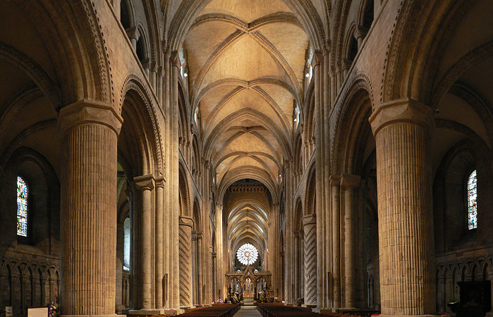 Nave and side aisles, Durham Cathedral, 1093-1133 C.E. (photo: Oliver-Bonjoch, CC BY-SA 3.0)