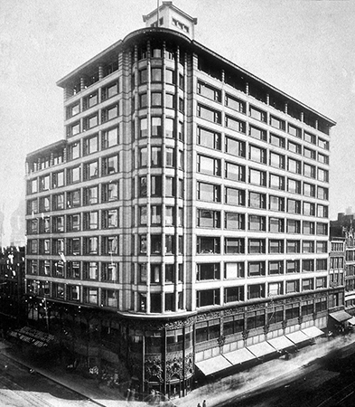 Louis Sullivan, Carson, Pirie, Scott Building, Chicago (while still Schlesinger & Mayer, with original cornice and before addition  at right)