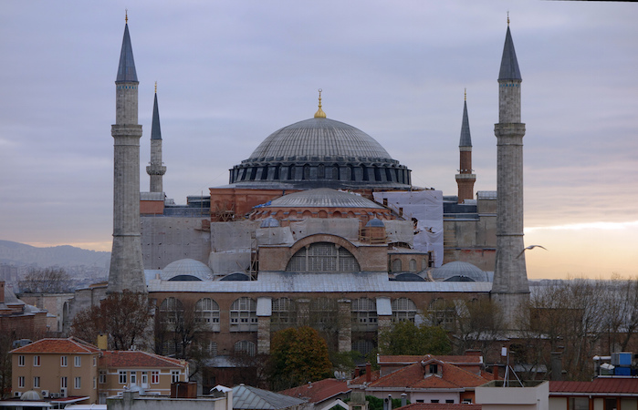 Isidore of Miletus & Anthemius of Tralles for Emperor Justinian, Hagia Sophia, Istanbul, 532-37, photo: Steven Zucker (CC BY-NC-SA 2.0)