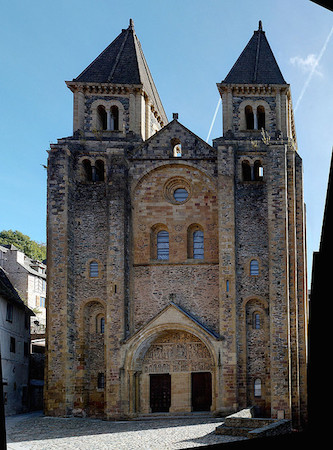 Church of Sainte‐Foy, Conques, France, c. 1050–1130 C.E. (photo: syvwlch, CC BY 2.0)