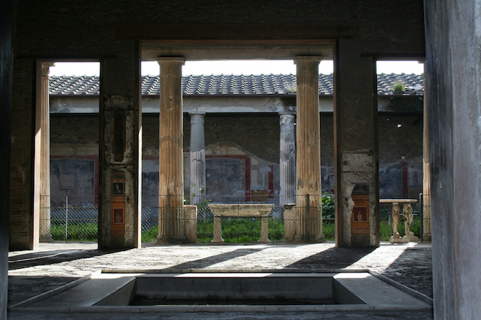 View through atrium to the peristyle (photo: Peter Stewart, CC BY-NC 2.0)