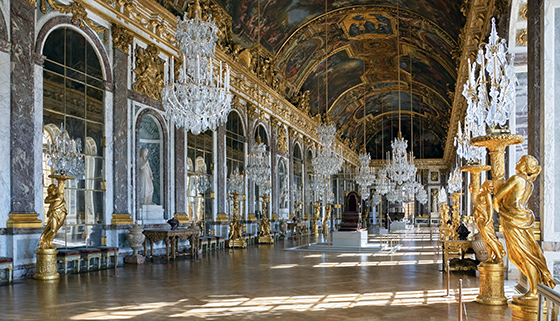 Galerie des Glaces (Hall of Mirrors) in the Palace of Versailles, Versailles, France (photo: Myrabella, CC BY-SA-3.0)