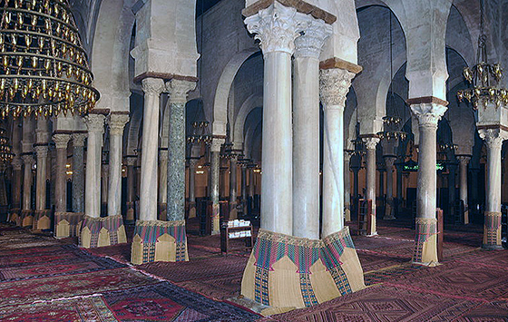 Prayer Hall, Great Mosque of Kairouan (photo: Citizen59, CC BY-SA 3.0)