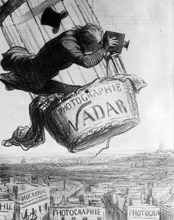 Honoré Daumier, Nadar élevant la Photographie à la hauteur de l'Art (Nadar elevating Photography to Art), lithograph from Le Boulevard, May 25, 1863
