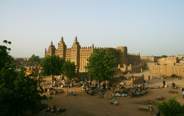 Great Mosque of Djenné, Mali, 1907 (photo: Mark Abel, CC BY-NC-SA 2.0)